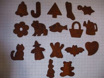 25mm Rusty Tin Shapes  Choice of Design